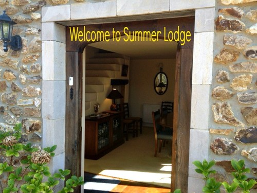 pic-for-river-cottage-accom-website-summer-lodge