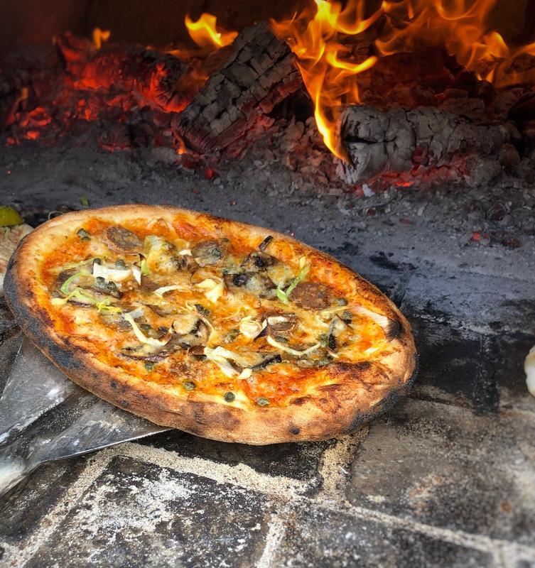 pizza-15796135171727391