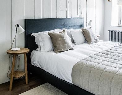 farmohuse-bedroom-157590354458455011