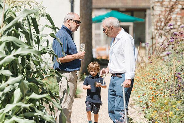 men-in-garden-15625922486643311