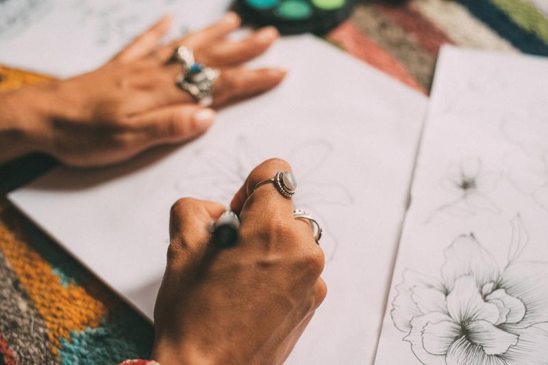 sketching-flowers