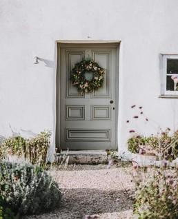 christmas-wreath-door