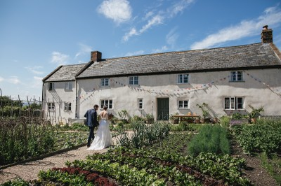 river-cottage-wedding-helen-lisk-photography-39pp-w1600-h1066-1