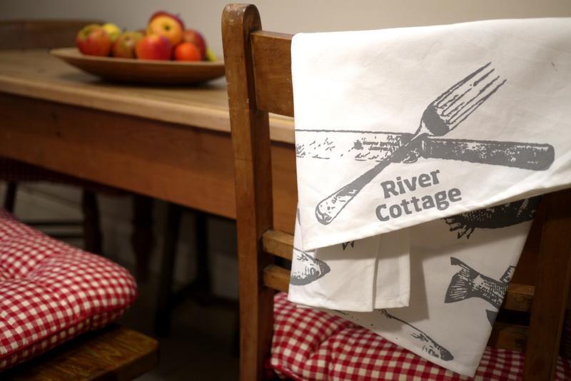 Fish tea towel - Image 1