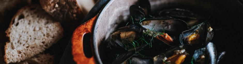 Mussels with celeriac, seaweed and cider