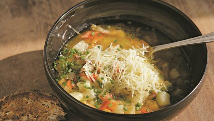 Five-root soup with bacon