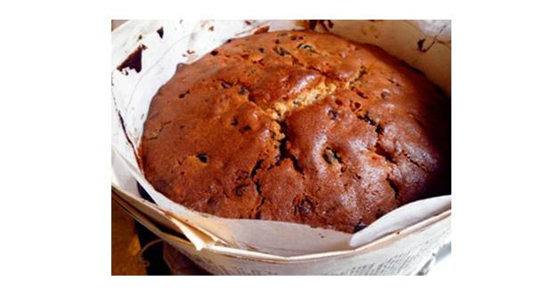 Gluten free apple Christmas cake