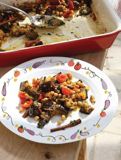 Aubergine, tomatoes, chickpeas