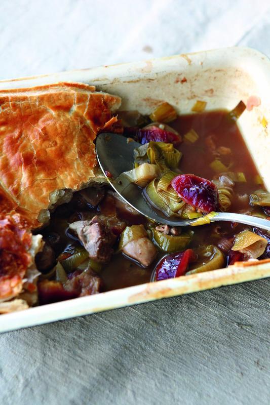 Chicken, leek and plum pie