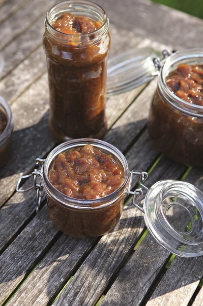 Dried mango chutney