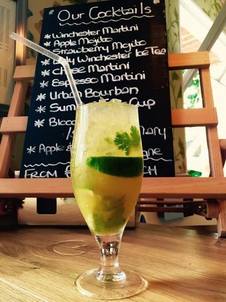 Greengage & coriander mojito