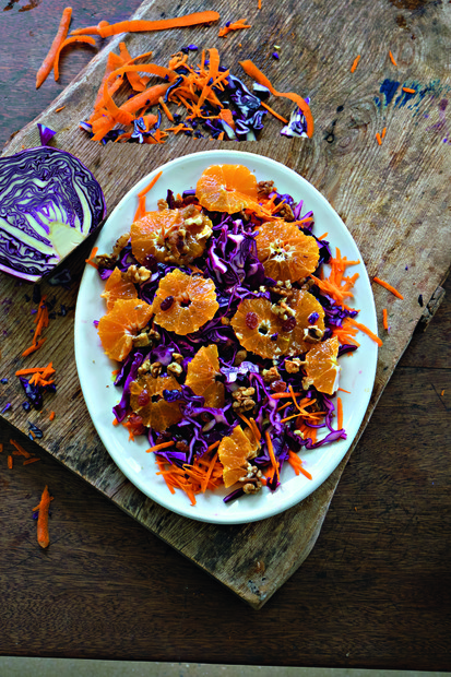 Red cabbage, carrot & clementines with raisins & walnuts