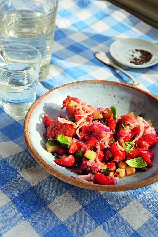 Strawberry panzanella